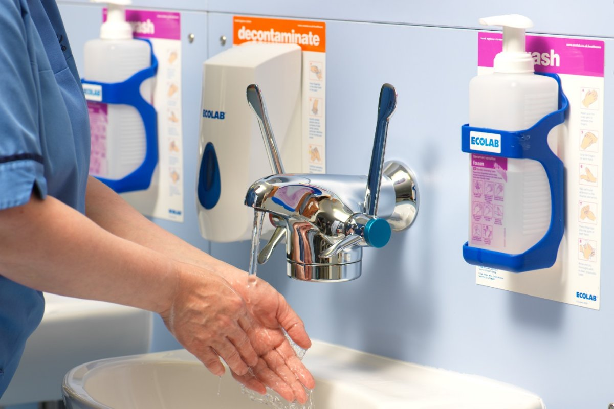 Rinse after warm water handwash with Optitherm